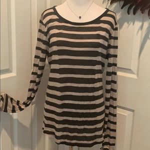 Striped long sleeve shirt, so soft and flattering